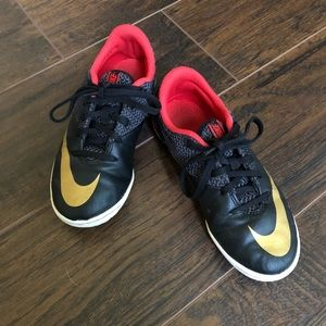 Other - Boy's Nike shoes
